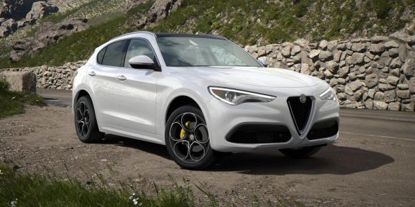 New 2020 Alfa Romeo Stelvio Ti Lusso Q4 for sale $55,045 at Bentley Greenwich in Greenwich CT 06830 2