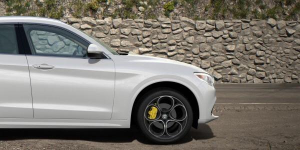 New 2020 Alfa Romeo Stelvio Ti Lusso Q4 for sale $55,045 at Bentley Greenwich in Greenwich CT 06830 3