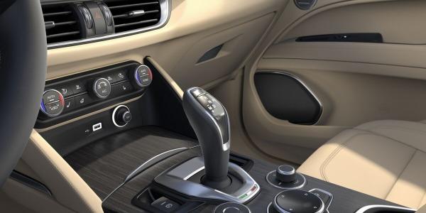 New 2020 Alfa Romeo Stelvio Ti Lusso Q4 for sale $55,045 at Bentley Greenwich in Greenwich CT 06830 5