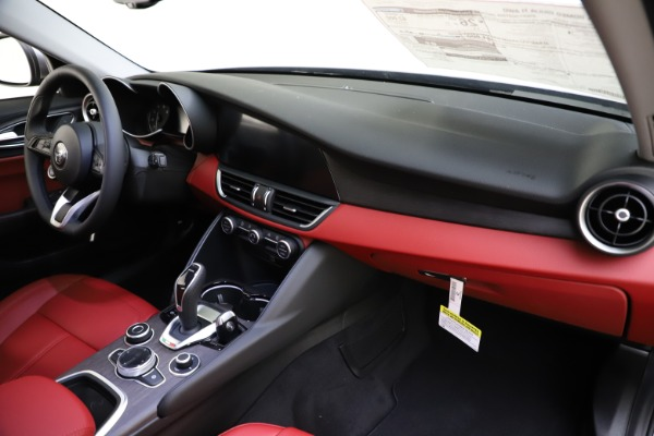 New 2020 Alfa Romeo Giulia Ti Q4 for sale Call for price at Bentley Greenwich in Greenwich CT 06830 25