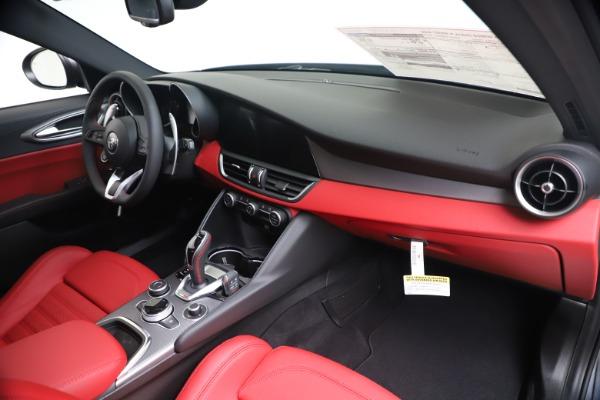 New 2020 Alfa Romeo Giulia Ti Sport Q4 for sale $51,095 at Bentley Greenwich in Greenwich CT 06830 24
