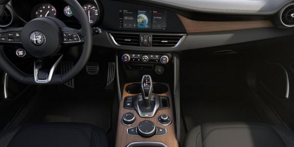 New 2020 Alfa Romeo Giulia Ti Lusso Q4 for sale $51,195 at Bentley Greenwich in Greenwich CT 06830 3