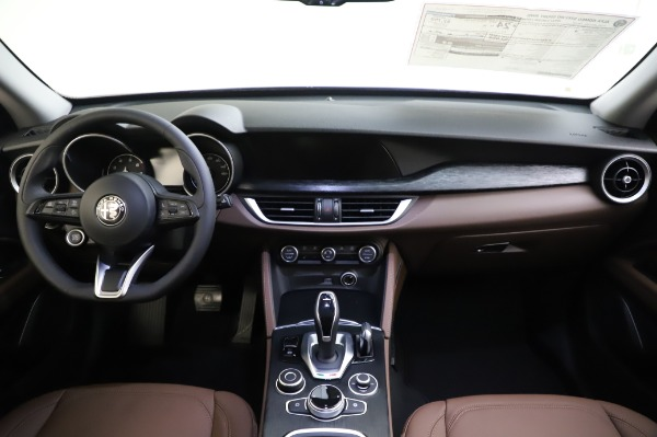 New 2020 Alfa Romeo Stelvio Sport Q4 for sale $50,895 at Bentley Greenwich in Greenwich CT 06830 16