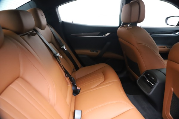 New 2020 Maserati Ghibli S Q4 for sale $87,285 at Bentley Greenwich in Greenwich CT 06830 27