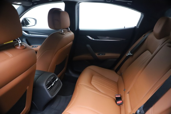 New 2020 Maserati Ghibli S Q4 for sale $84,735 at Bentley Greenwich in Greenwich CT 06830 19