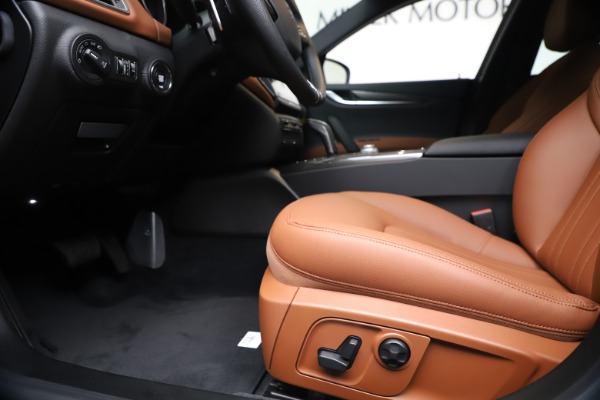 New 2020 Maserati Ghibli S Q4 for sale $87,285 at Bentley Greenwich in Greenwich CT 06830 14