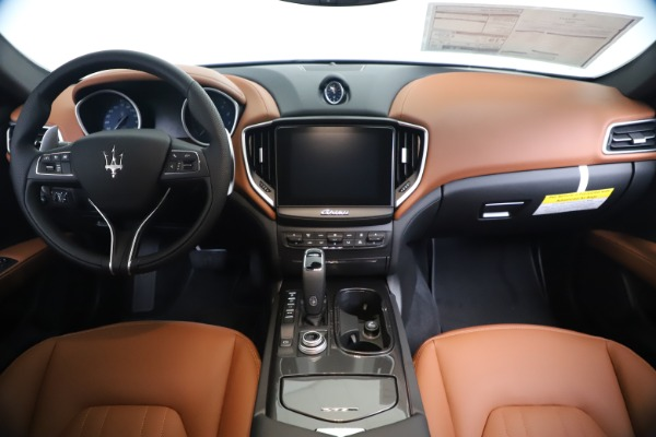 New 2020 Maserati Ghibli S Q4 for sale $87,285 at Bentley Greenwich in Greenwich CT 06830 16