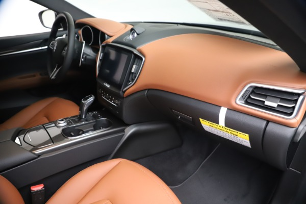 New 2020 Maserati Ghibli S Q4 for sale $87,285 at Bentley Greenwich in Greenwich CT 06830 22