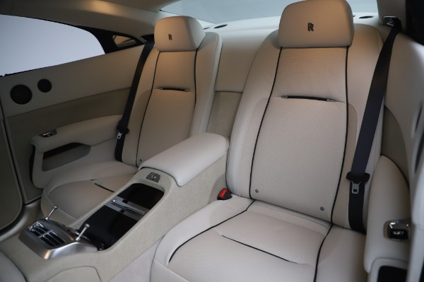 Used 2014 Rolls-Royce Wraith Base for sale $168,900 at Bentley Greenwich in Greenwich CT 06830 15