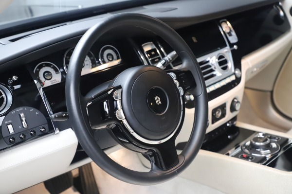 Used 2014 Rolls-Royce Wraith for sale $168,900 at Bentley Greenwich in Greenwich CT 06830 16