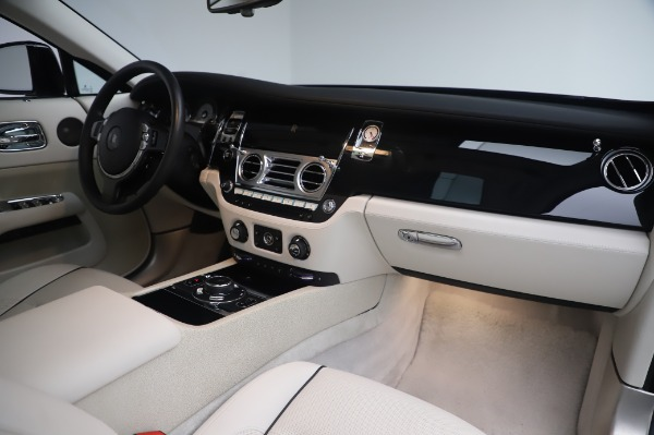 Used 2014 Rolls-Royce Wraith Base for sale $168,900 at Bentley Greenwich in Greenwich CT 06830 21