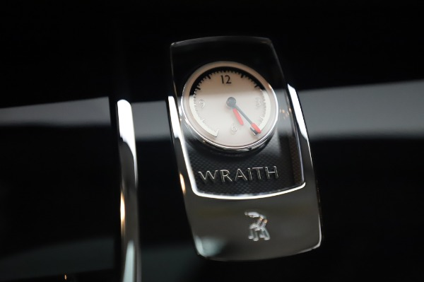 Used 2014 Rolls-Royce Wraith for sale $168,900 at Bentley Greenwich in Greenwich CT 06830 25