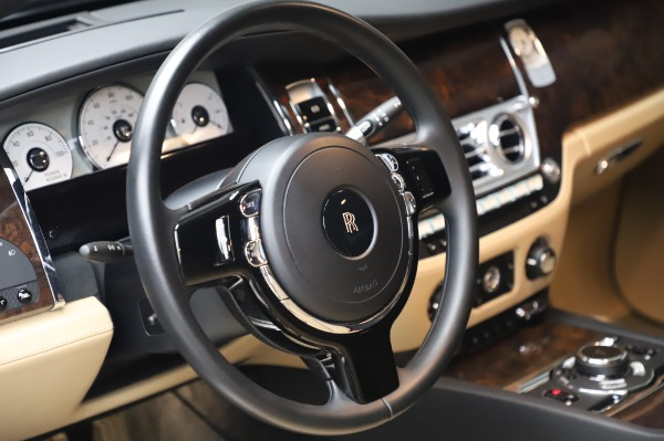 Used 2016 Rolls-Royce Ghost for sale $175,900 at Bentley Greenwich in Greenwich CT 06830 17