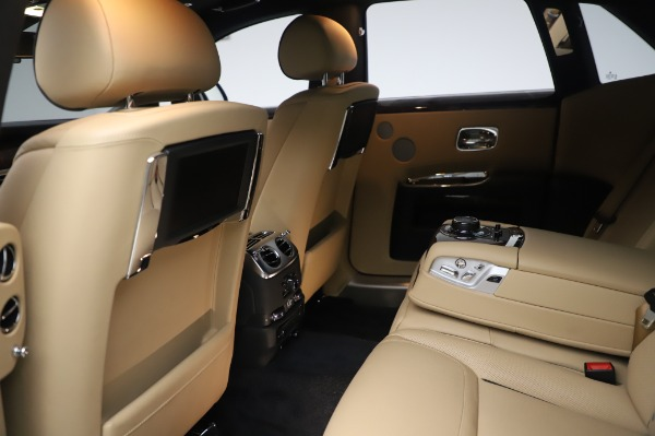 Used 2016 Rolls-Royce Ghost for sale $175,900 at Bentley Greenwich in Greenwich CT 06830 22