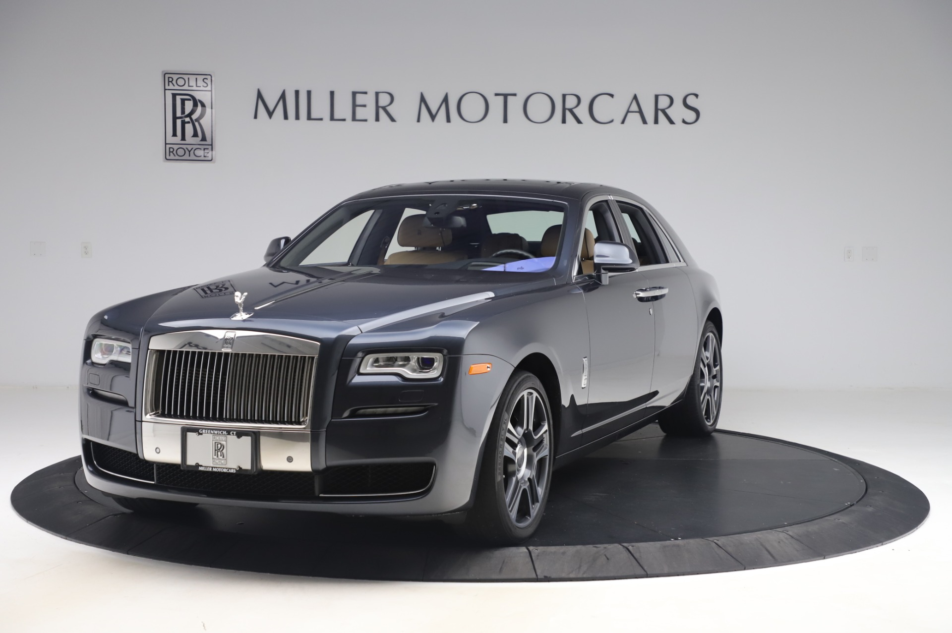 Used 2016 Rolls-Royce Ghost for sale $175,900 at Bentley Greenwich in Greenwich CT 06830 1