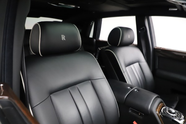 Used 2014 Rolls-Royce Phantom for sale $179,900 at Bentley Greenwich in Greenwich CT 06830 13