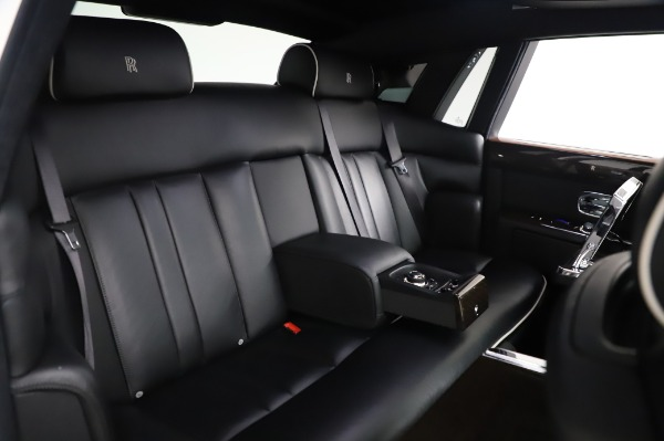Used 2014 Rolls-Royce Phantom for sale $179,900 at Bentley Greenwich in Greenwich CT 06830 16