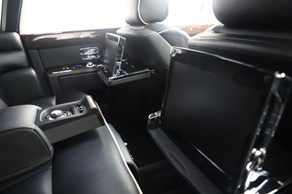 Used 2014 Rolls-Royce Phantom for sale $179,900 at Bentley Greenwich in Greenwich CT 06830 18