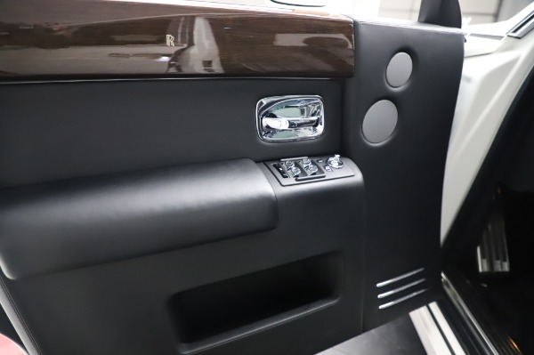 Used 2014 Rolls-Royce Phantom for sale $179,900 at Bentley Greenwich in Greenwich CT 06830 20