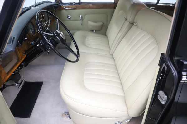 Used 1965 Rolls-Royce Silver Cloud III for sale $99,900 at Bentley Greenwich in Greenwich CT 06830 16