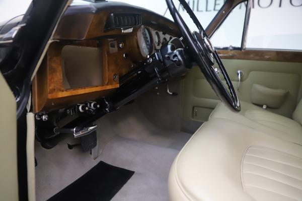 Used 1965 Rolls-Royce Silver Cloud III for sale $99,900 at Bentley Greenwich in Greenwich CT 06830 18