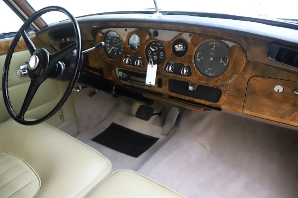 Used 1965 Rolls-Royce Silver Cloud III for sale $99,900 at Bentley Greenwich in Greenwich CT 06830 25