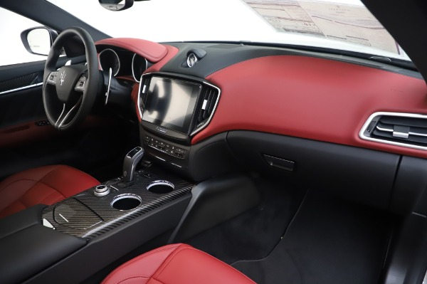 New 2020 Maserati Ghibli S Q4 GranSport for sale $93,285 at Bentley Greenwich in Greenwich CT 06830 24