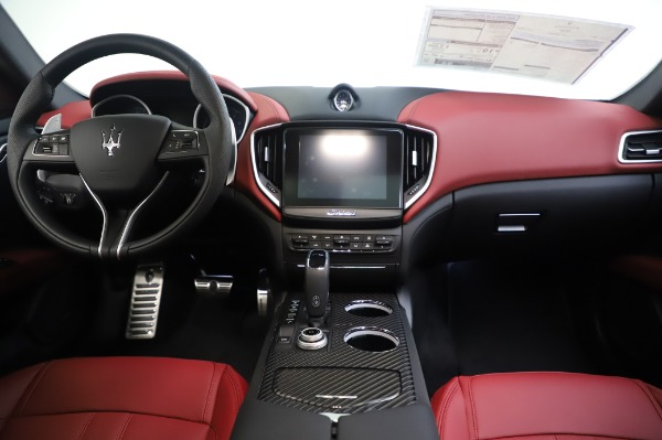 New 2020 Maserati Ghibli S Q4 GranSport for sale $93,285 at Bentley Greenwich in Greenwich CT 06830 28