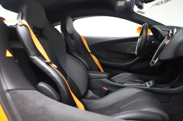 Used 2017 McLaren 570S Coupe for sale $149,900 at Bentley Greenwich in Greenwich CT 06830 21