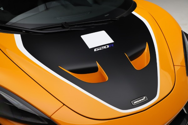 New 2020 McLaren 620R Coupe for sale Call for price at Bentley Greenwich in Greenwich CT 06830 17