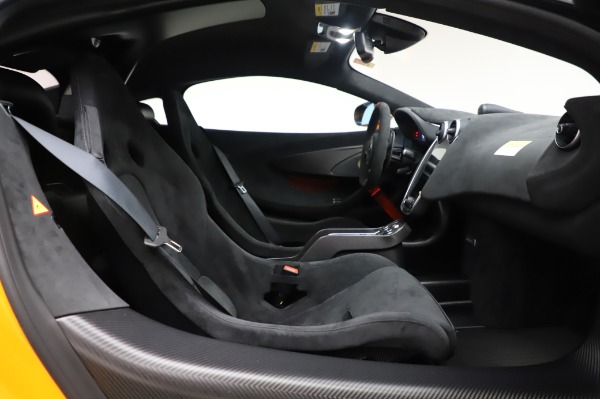 New 2020 McLaren 620R Coupe for sale Call for price at Bentley Greenwich in Greenwich CT 06830 26