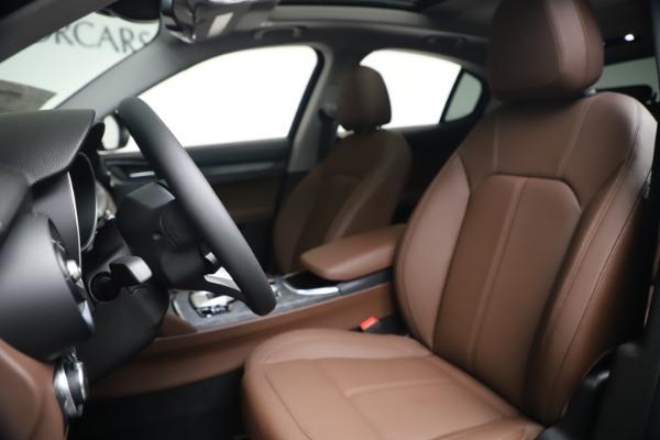 New 2020 Alfa Romeo Stelvio Q4 for sale $49,045 at Bentley Greenwich in Greenwich CT 06830 14
