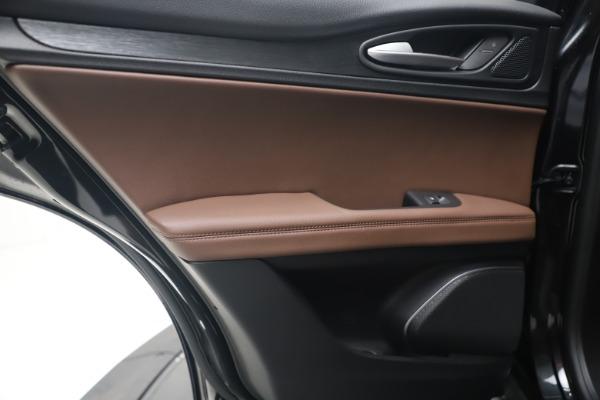 New 2020 Alfa Romeo Stelvio Q4 for sale $49,045 at Bentley Greenwich in Greenwich CT 06830 20