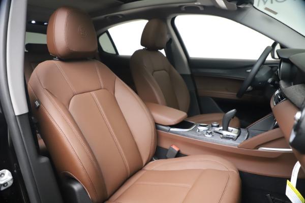New 2020 Alfa Romeo Stelvio Q4 for sale $49,045 at Bentley Greenwich in Greenwich CT 06830 21
