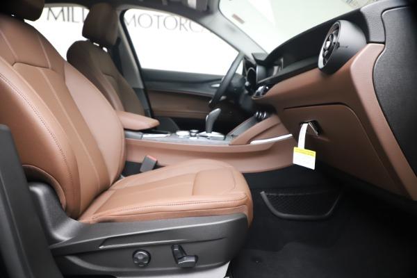 New 2020 Alfa Romeo Stelvio Q4 for sale $49,045 at Bentley Greenwich in Greenwich CT 06830 22