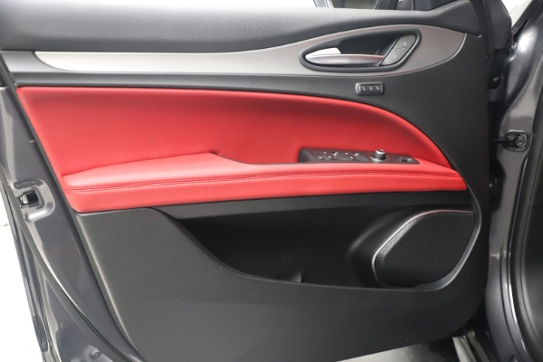 New 2020 Alfa Romeo Stelvio Ti Sport Q4 for sale Call for price at Bentley Greenwich in Greenwich CT 06830 17