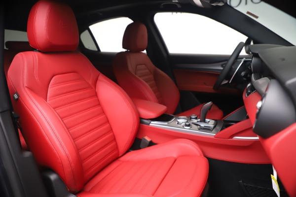 New 2020 Alfa Romeo Stelvio Ti Sport Q4 for sale Call for price at Bentley Greenwich in Greenwich CT 06830 22