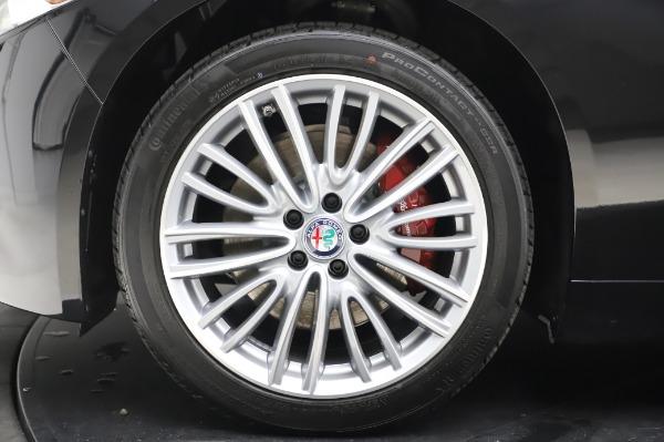 New 2020 Alfa Romeo Giulia Ti Lusso Q4 for sale $51,195 at Bentley Greenwich in Greenwich CT 06830 14