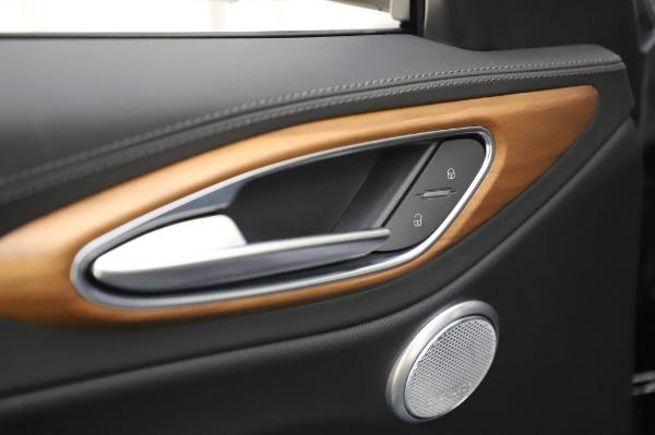 New 2020 Alfa Romeo Giulia Ti Lusso Q4 for sale $51,195 at Bentley Greenwich in Greenwich CT 06830 20