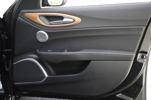 New 2020 Alfa Romeo Giulia Ti Lusso Q4 for sale $51,195 at Bentley Greenwich in Greenwich CT 06830 28