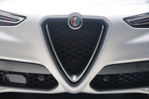 New 2020 Alfa Romeo Stelvio Q4 for sale $49,795 at Bentley Greenwich in Greenwich CT 06830 13