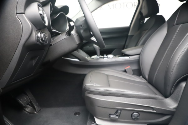 New 2020 Alfa Romeo Stelvio Q4 for sale $49,795 at Bentley Greenwich in Greenwich CT 06830 16