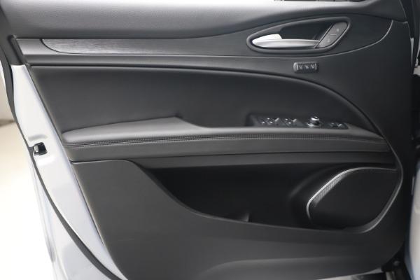 New 2020 Alfa Romeo Stelvio Q4 for sale $49,795 at Bentley Greenwich in Greenwich CT 06830 18