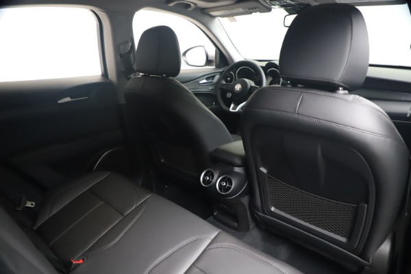 New 2020 Alfa Romeo Stelvio Q4 for sale $49,795 at Bentley Greenwich in Greenwich CT 06830 28