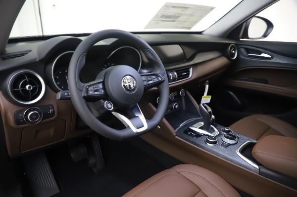 New 2020 Alfa Romeo Stelvio Q4 for sale $49,795 at Bentley Greenwich in Greenwich CT 06830 17