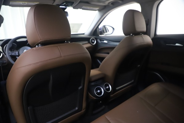 New 2020 Alfa Romeo Stelvio Q4 for sale $49,795 at Bentley Greenwich in Greenwich CT 06830 21