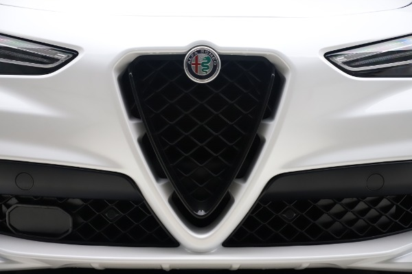 New 2020 Alfa Romeo Stelvio Quadrifoglio for sale $90,945 at Bentley Greenwich in Greenwich CT 06830 13