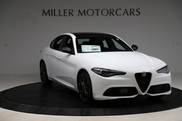 New 2020 Alfa Romeo Giulia Sport Q4 for sale $45,345 at Bentley Greenwich in Greenwich CT 06830 11