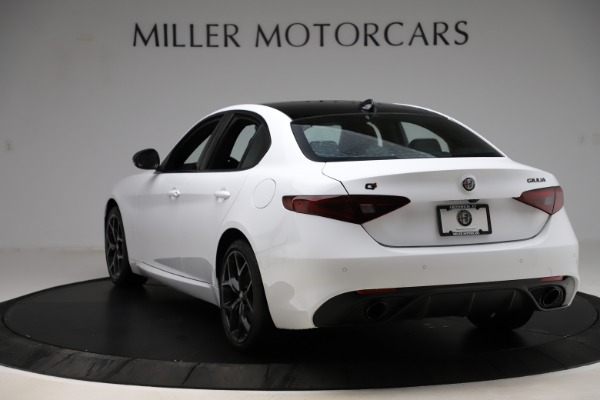 New 2020 Alfa Romeo Giulia Sport Q4 for sale $45,345 at Bentley Greenwich in Greenwich CT 06830 5