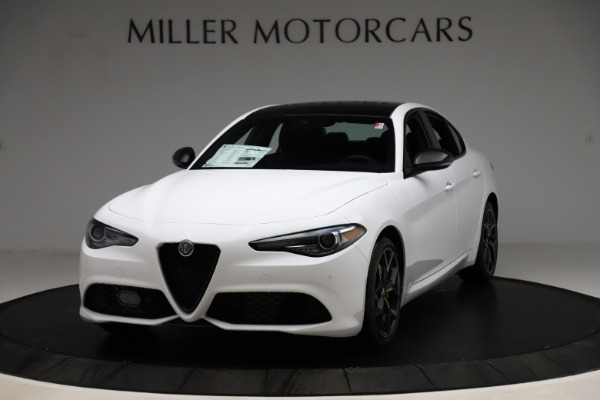 New 2020 Alfa Romeo Giulia Sport Q4 for sale $45,345 at Bentley Greenwich in Greenwich CT 06830 1